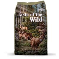 Kompletní krmivo určené pro psy všech věkových stádií. Zvěřina, jehněčí a rybí maso.