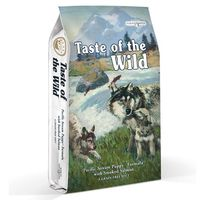 Krmivo pro štěňata provoněné uzeným lososem. Lososový olej přispěje ke správnému vývoji vašeho malého vlka. Lehké rybí balení příjemně uleví zažívání. Vhodné i pro březí nebo kojící feny